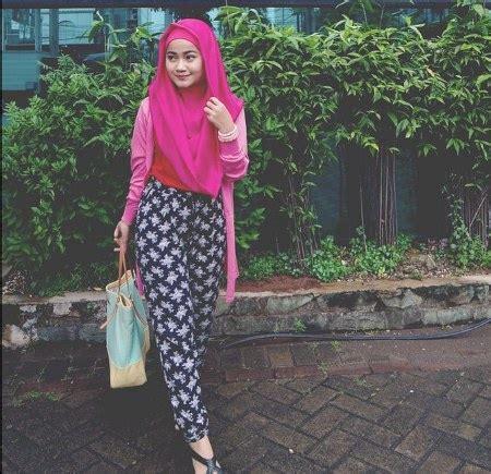 Kombinasi Baju Warna Ungu Dengan Jilbab tips memadukan warna baju dengan kerudung ide model busana