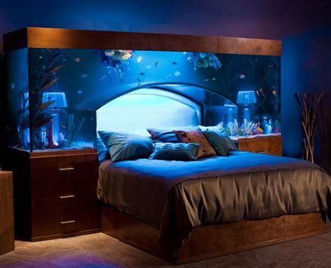 Custom aquarium headboard: Because you just can't get enough fish
