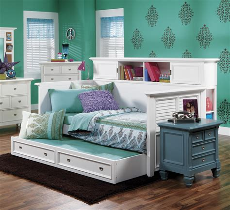Astonishing Bedroom Furniture Design With White Stained White Daybed With Bookcase