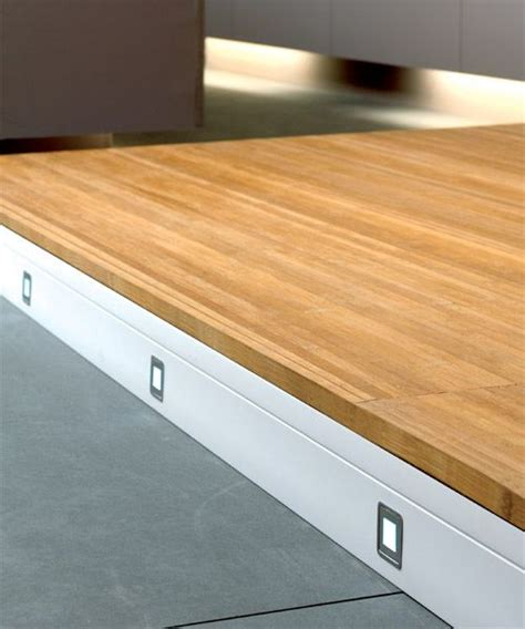 Baseboard Lighting by Pin By Velanzon On Baseboard Moldings