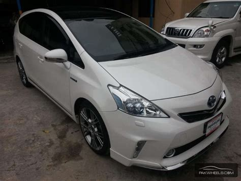Alpha Toyota Toyota Prius Alpha 2012 For Sale In Lahore Pakwheels