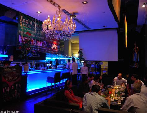 Bar Top Singapore by Singapore Travel Guide