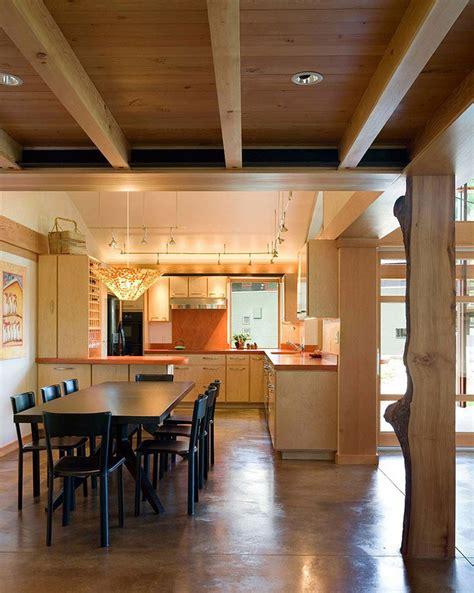 laras de techo de madera rusticas dise 241 o de casa de co de un piso moderna construye hogar
