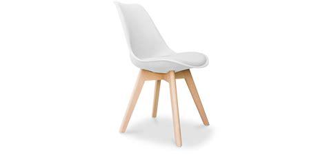 kissen skandinavisches design deswin stuhl mit kissen skandinavisches design kunststoff