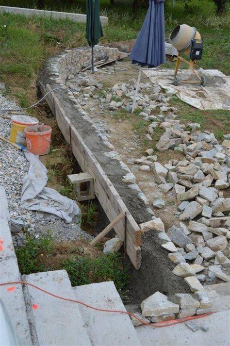 natursteinmauer garten unsere natursteinmauer entsteht natursteinmauer
