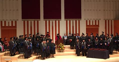 Willamette Mba Program by Mba For Professionals Program Celebrates Commencement