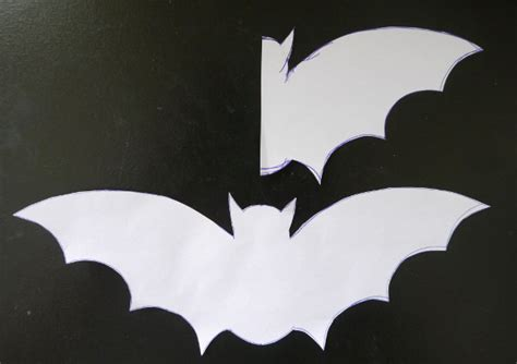 How To Make Bat With Paper - flying bats tutorial free printable lizventures