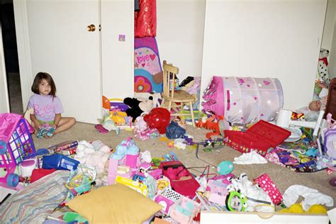 how to clean a really messy bedroom omg my kids spoiled my day 25 photos bajiroo com