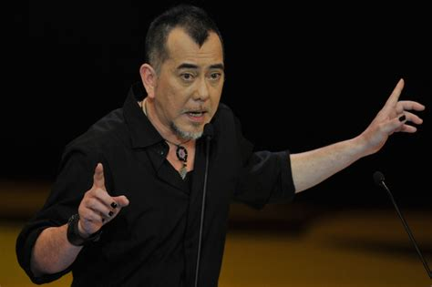 hong kong british actor god of gamblers director supports hong kong police