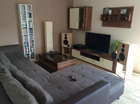 Welche Möbel Passen Zu Hellem Laminat by Wohnzimmer Laminat Farbe