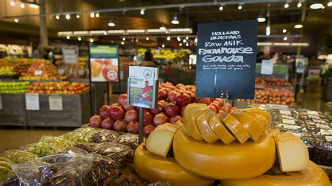 food sale whole foods reports strong sales growth expansion into canada
