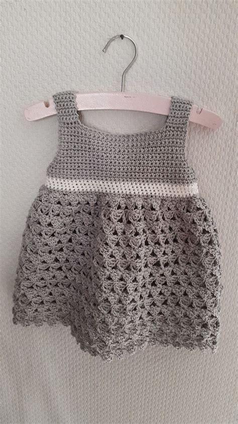 haakpatroon baby jurk 17 beste idee 235 n over poppenkleertjes patronen op pinterest