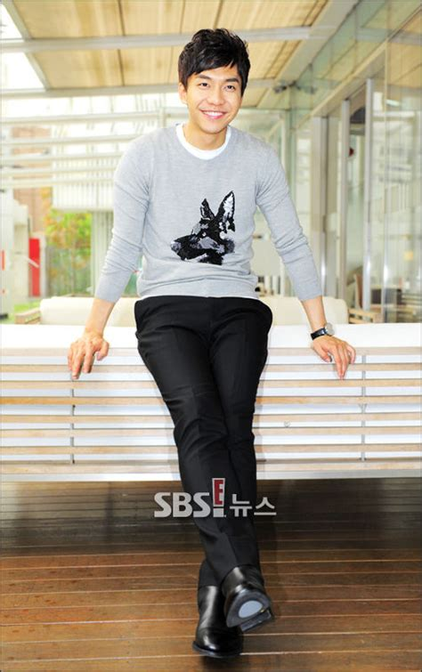 lee seung gi real wife lee seung gi marriage in my 30s a celebrity wife is ok