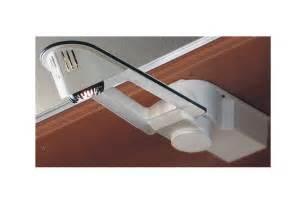 eclairage escamotable pour placard accessoires cuisines