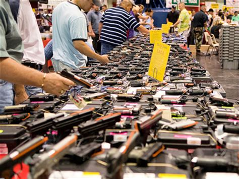 Buying Guns At Gun Shows Without Background Check Gun Background Check Loophole Business Insider