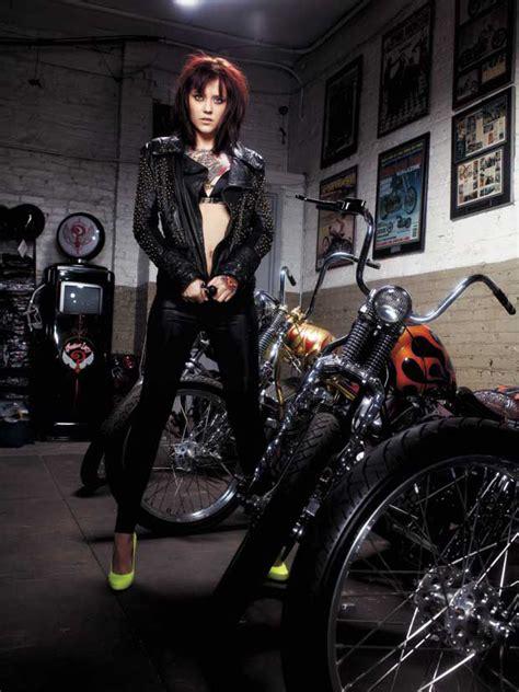 Motorrad Tattoo Frauen by Tattooed Biker Girl Photography Motorcycle Girls