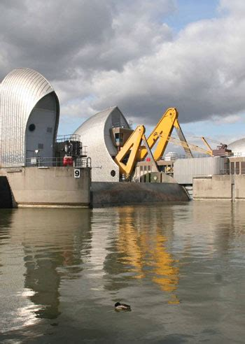 thames barrier sustainability how can cities improve their resilience smart cities dive
