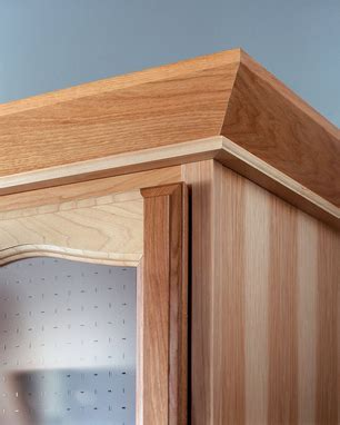 how to cut crown molding angles for kitchen cabinets angle crown molding with stack molding kraftmaid
