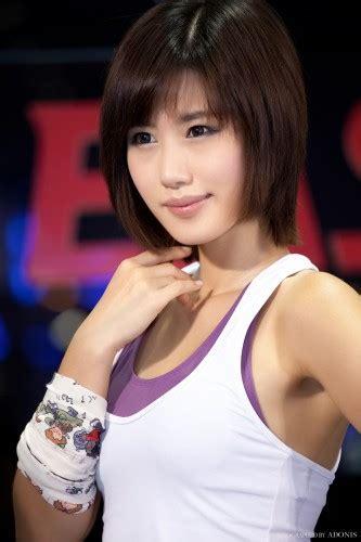 Jina Hot Japanese Teen Woman Sex