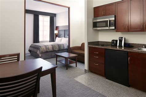 room houston club quarters hotel in houston a business hotel in
