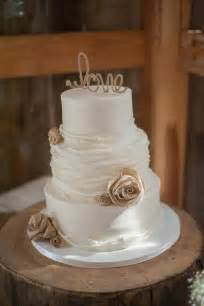 wedding cake rustic 17 best ideas about rustic wedding cakes on rustic cake wedding cake flowers and