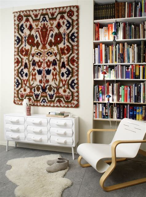 Rug On The Wall by 59 Best Images About Hanging Rugs On Dhurrie