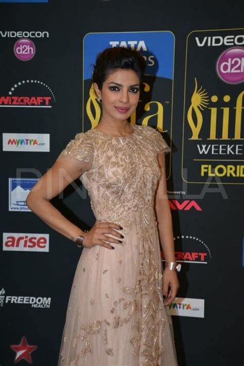priyanka chopra dance in iifa awards priyanka chopra at iifa awards 2014 pinkvilla