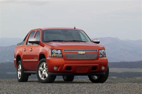 best auto repair manual 2011 chevrolet avalanche electronic toll collection 2011 chevrolet avalanche news and information conceptcarz com