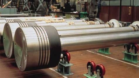 biggest boat engine in the world world s largest diesel engine makes 109 000 horsepower