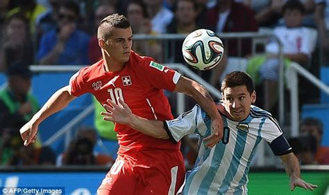Which Better Cortz Or Granit - lionel messi switzerland crowd out argentina s