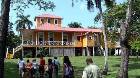 la casa home along the malec 243 n tour of fidel castro s birthplace