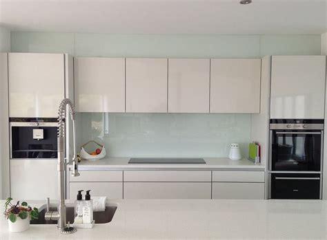 küche schreiner kosten k 252 che glasr 252 ckwand k 252 che gr 252 n glasr 252 ckwand k 252 che
