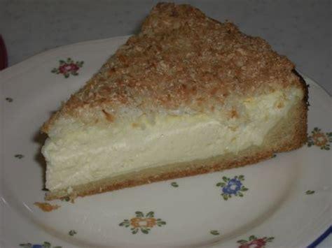 rezept kuchen quark rezept vom quark kuchen mit kokosbaiserhaube mit foto