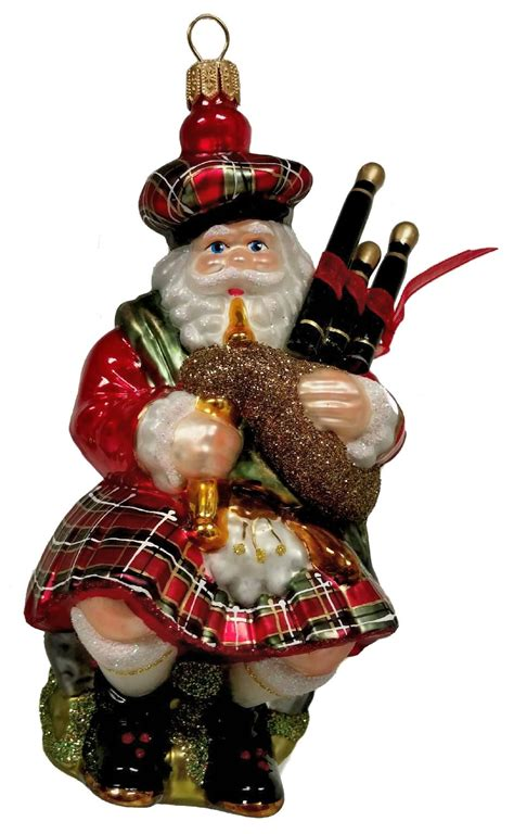 scottish santa in kilt with bagpipes polish glass