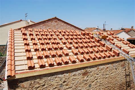 comment poser des tuiles romanes semaine 26 des tuiles sur le toit la grange loft d