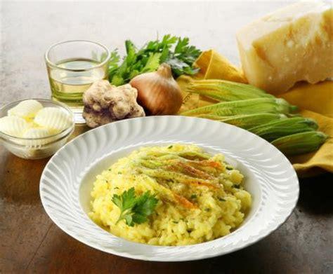 risotto ai fiori di zucca bimby risotto ai fiori di zucca la ricetta per preparare il