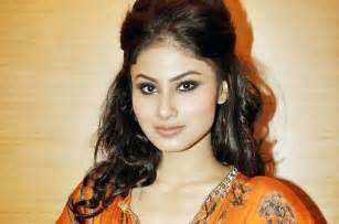 Know about naagin serial actress mouni roy newsread in