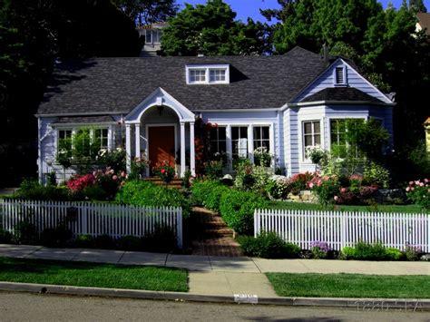 exterior colors for cottages house exterior color
