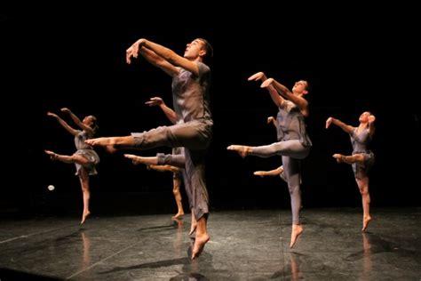 layout definition dance unison in dance