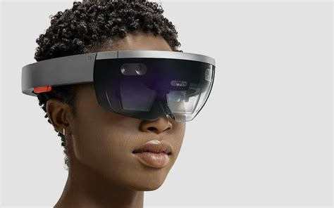 Microsoft Hololens the world s holographic mounted display hololens