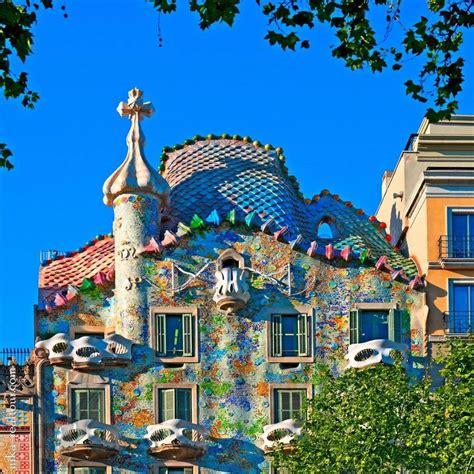 barcelona  gaudi  museum    door el blog de aerobus