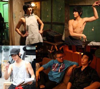 film ggs ultah sisi foto syuting the thieves tunjukkan sisi konyol kim soo