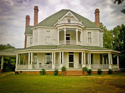 hershel house hershel farm from walking dead i absolutely love this house walking deadheads