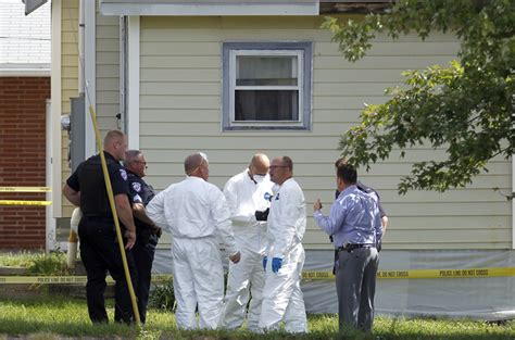 Bci Warrant Search Ohio Kidnapping Suspect Points Cops To Remains Of 3rd Person Daily Mail