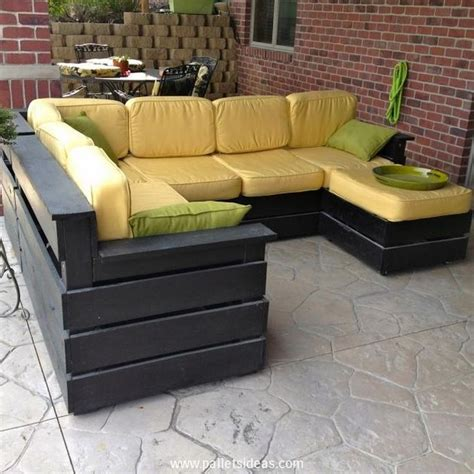 pallet couch plans 10 best ideas about pallet outdoor furniture on pinterest