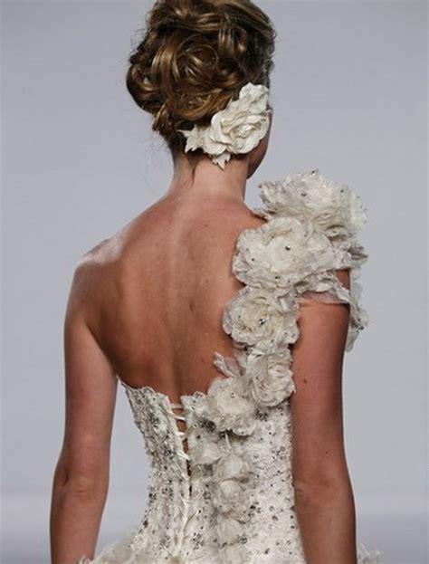 fiori per abiti da sposa