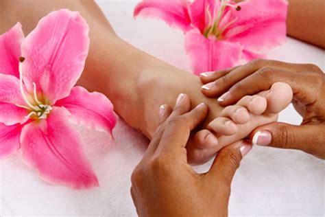 imagenes masajes relajantes pies beneficios de los masajes de pies