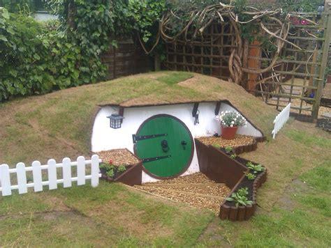 Backyard Inventors come costruire la casa degli hobbit nel tuo giardino di casa foto buzzland