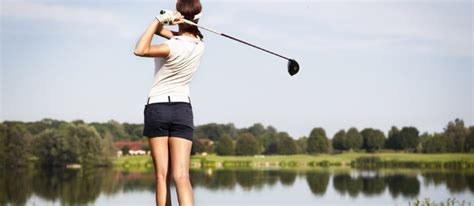 how to swing golf clubs how to properly swing a golf club