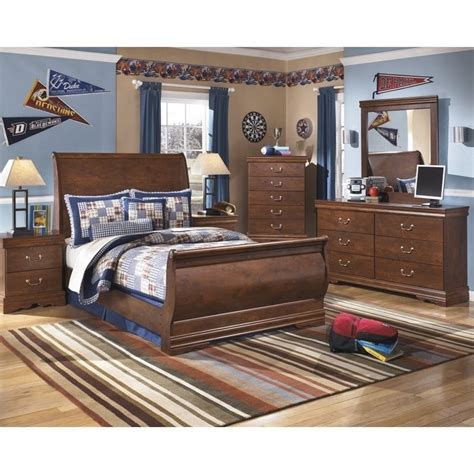 wilmington 6 wood sleigh bedroom set in